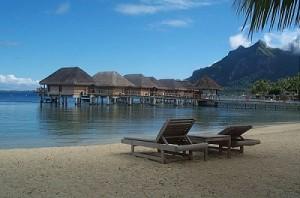 Bora Bora Urlaub - am Strand