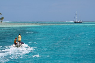 Boot vor Tahiti - Tahiti-Urlaub
