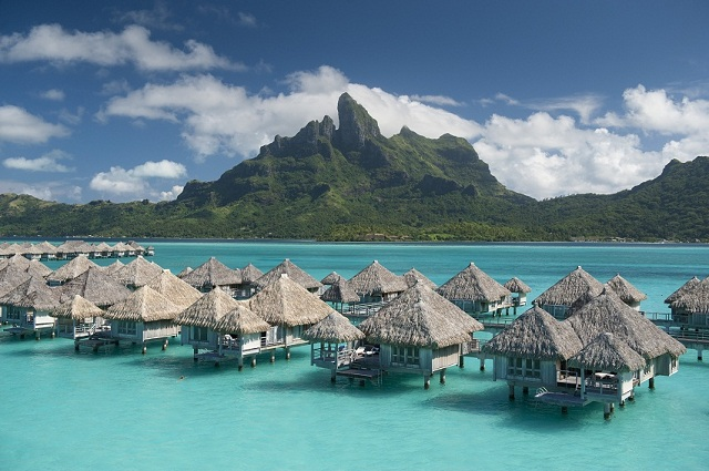 St Regis Bora Bora Resort Hotel - Überwasserbungalows